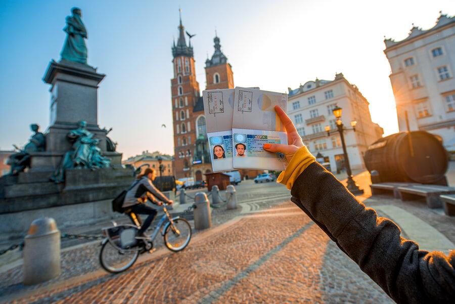 Điều kiện như thế nào để có thể đi du học Ba Lan